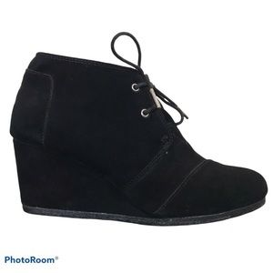 TOMS Black Suede Desert Wedge Ankle Boots Lace Up